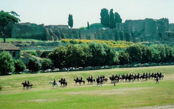 Photo of Circus Maximus en de roof van de Sabijnse maagden