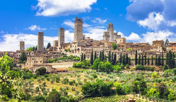 Photo of San Gimignano, parel in Toscane