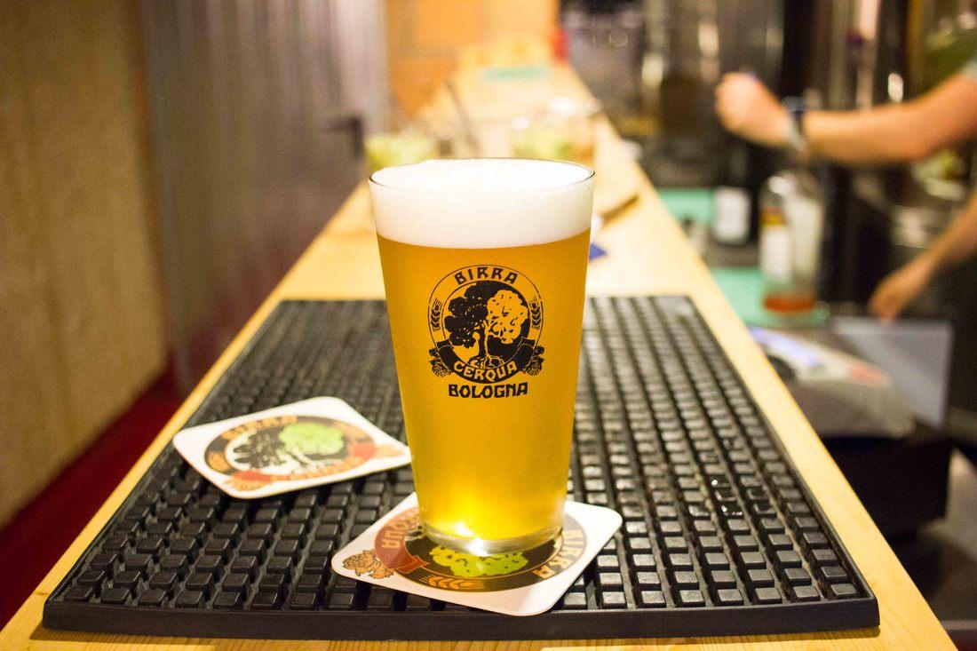 Photo of Geniet van artisanale Italiaanse bieren in één van Bologna's biercafés