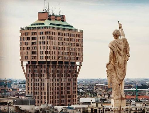 Photo of Torre Velasca, een icoon in Milaan