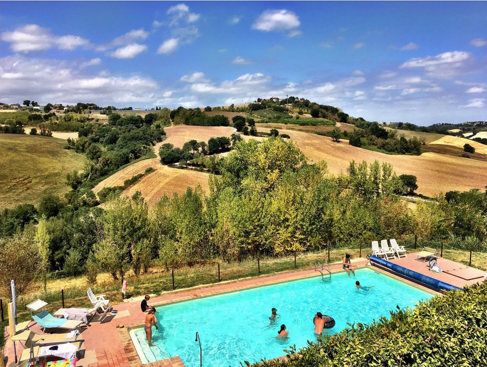 Photo of Country House Montesoffio : Prachtige accommodatie tussen bergen en zee in Le Marche